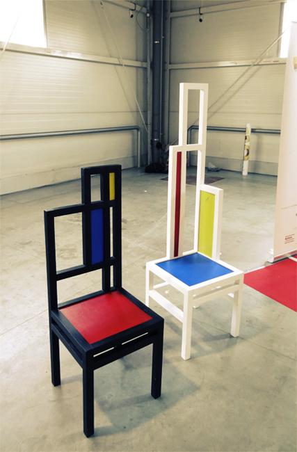 Krzesła wykonane przez absolwentów liceum plastycznego w nałęczowie. Targi Lublin