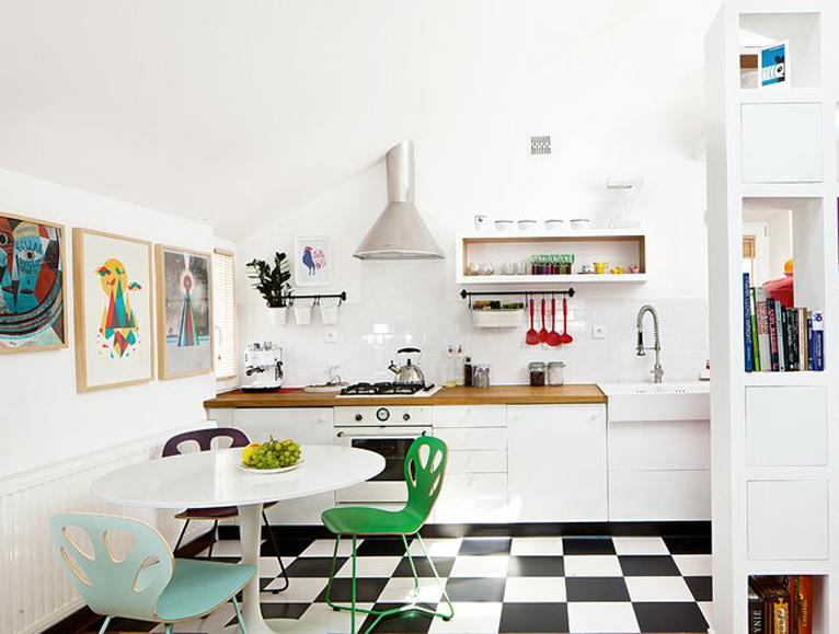 Nowoczesne krzesła do salonu i jadalni. Kolorowe, designerskie i przyciagające wzrok