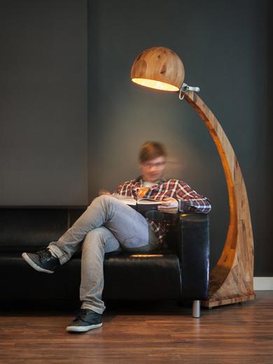 Lampa Woobia, unikalna lampa wykonana z drewna i stali nierdzewnej polskiego projektanta Abadoc.