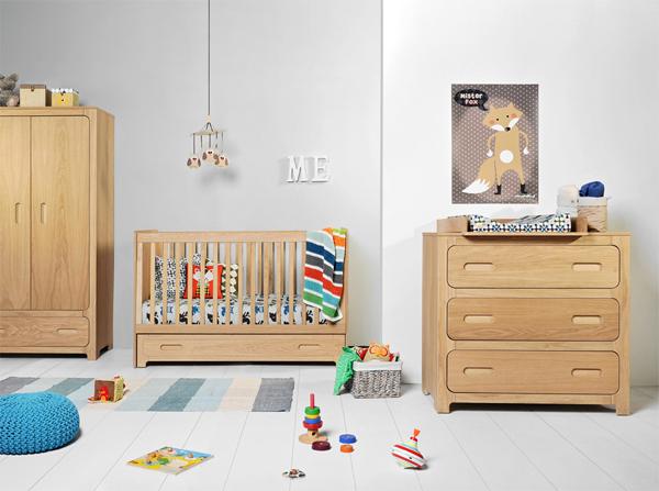 łóżeczko dla dziecka bezpieczne i funkcjonalne. Taka jest właśnie kolekcja Sherwood producenta Bellamy. Łóżeczko zamienia się w tapczanik dla starszaka więc starcza dziecku na długie lata.