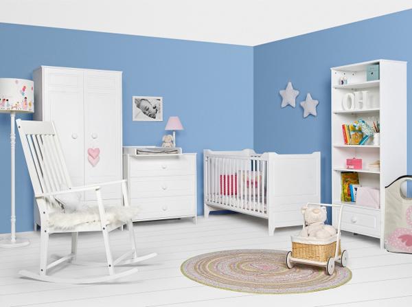 Meble białe i drewniane do pokoju dziecka. Kolekcja Cutie & Classy producenta Bellamy