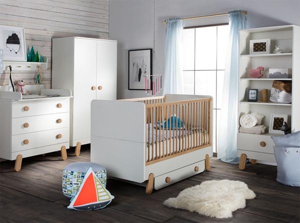 Meble do pokoju dziewczynki w stylu skandynawskim. Połączenie drewna bukowego i bieli