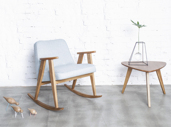 Fotel 366 bujany na drewnianych płozach. Komfortowy fotel w stylu retro na drewnianych płozach
