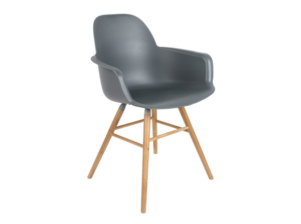 Albert Kuip Zuiver modne krzesło z podłokietnikami w kolorze ciemno szarym na jesionowych, drewnianych nogach. Designerski fotel stworzony do jadalni jak i komercyjnych wnętrz