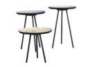 Zestaw stolików Enamel producenta Zuiver, Stoliki o różnych wysokościach stworzone do salonu