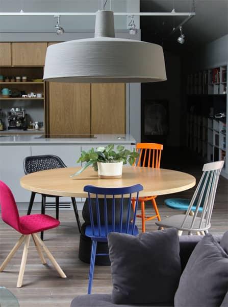 Nowoczesne krzesła do salonu - różne
