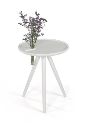 Stolik flower iker stworzony do wnętrza w stylu skandynawskim