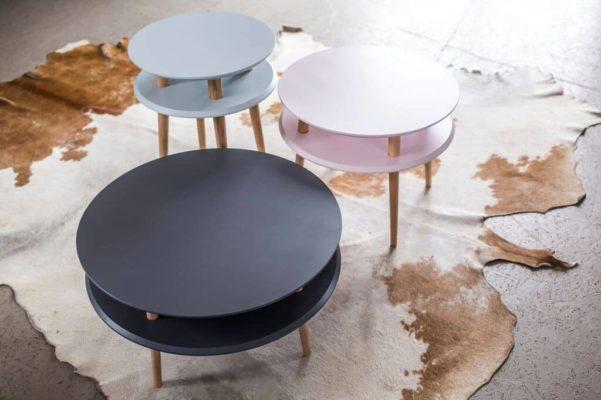 Kolorowe stoliki kawowe w stylu skandynawskim